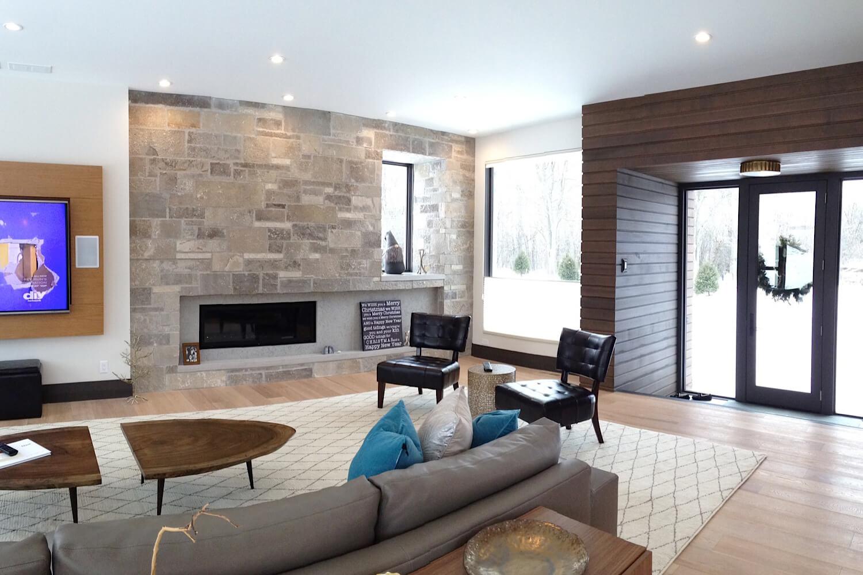 West Bend Modern Home Exterior Barenzbuilders